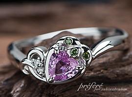 婚約指輪のオーダーはハート形ピンクサファイアとイチゴデザイン