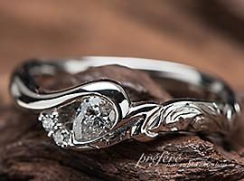 ペアシェイプダイヤとハワイアンジュエリー調の婚約指輪オーダー