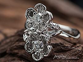 婚約指輪のオーダーメイドは二つのリアルなお花モチーフ
