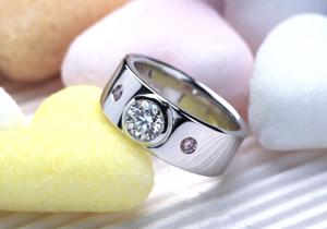 幅広フォルムのオーダーメイドのエンゲージリング(婚約指輪)(指輪No.43)