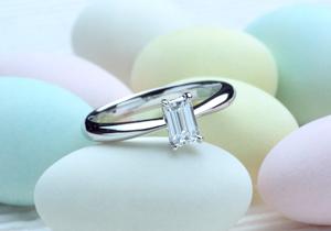 シンプルを求めたオーダーメイドのエンゲージリング(婚約指輪)(指輪No.25)