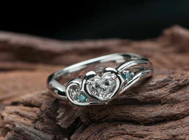 イルカモチーフの婚約指輪はオーダーメイド(指輪No.7230)