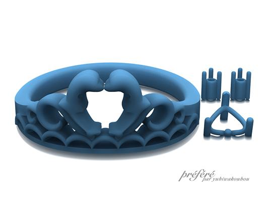 イルカを入れたティアラ形婚約指輪のモデル型