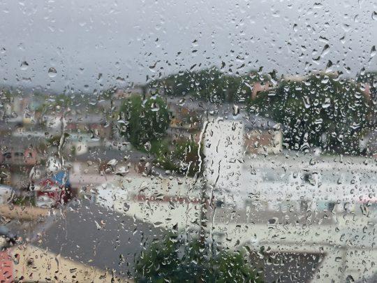 真珠供養祭の日は大雨