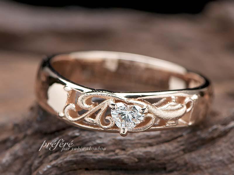 イニシヤル、アラジンのランプを入れた婚約指輪オーダー