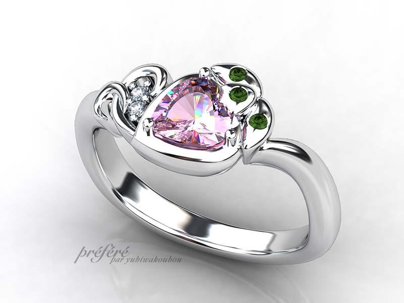 ハートのピンクサフアイヤのイチゴモチーフの婚約指輪をオーダー