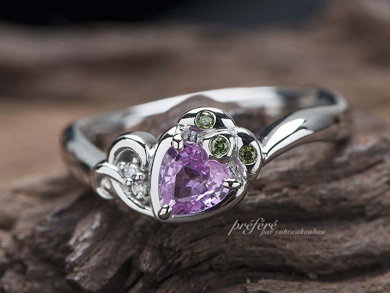 ピンクサフアイヤのイチゴモチーフの婚約指輪をオーダー