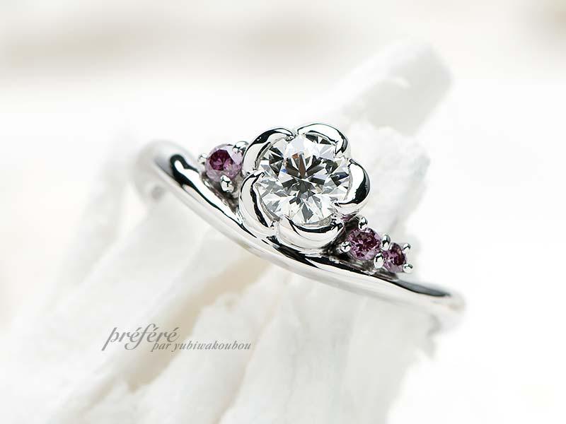 婚約指輪と結婚指輪を重ね着けするセットリングです
