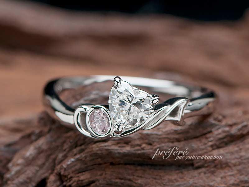 音符モチーフの婚約指輪