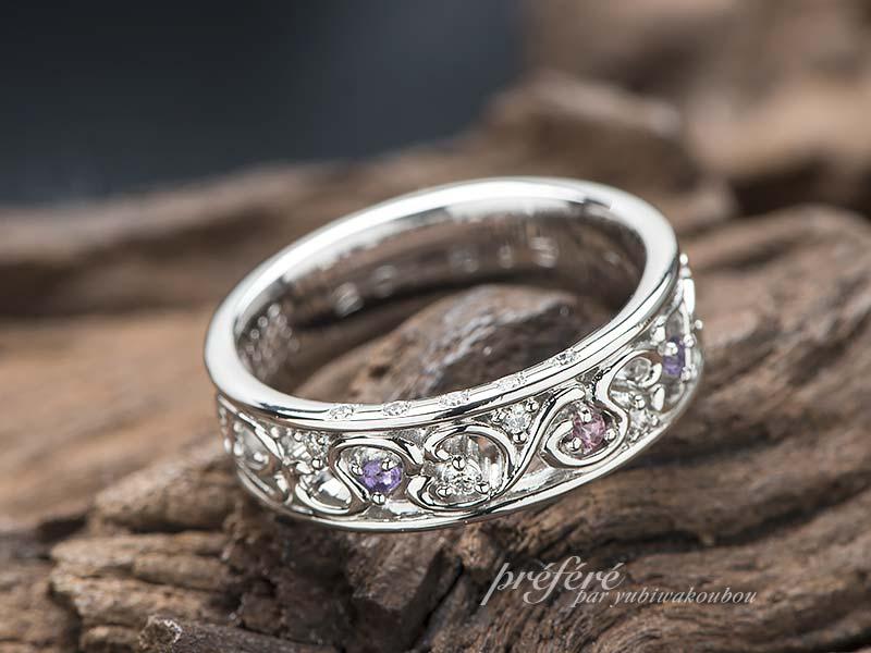 結婚10周年記念の指輪は家族のイニシャルとお誕生石を入れてオーダーメイド