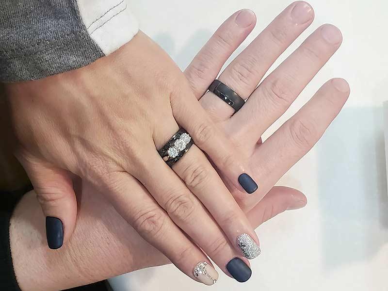 ブラックリングの結婚指輪(