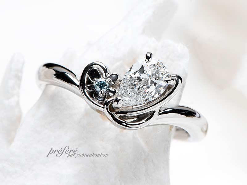 スミレの花と音符とイニシャルSのプロポーズリング(婚約指輪)