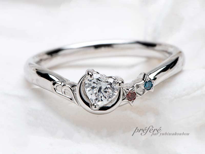 ハートダイヤと三日月と星とイニシャルモチーフの婚約指輪-