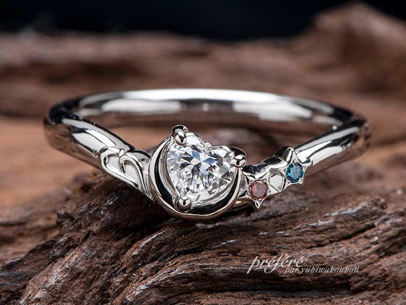 ハートダイヤと三日月と星とイニシャルモチーフのプロポーズリング(婚約指輪)