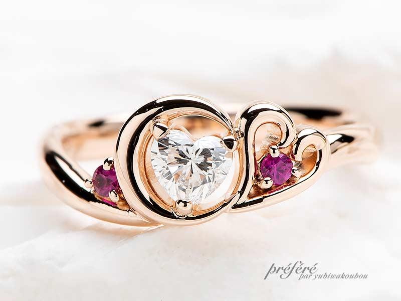 ハートのダイヤモンドと三日月とイニシャルとネコモチーフのプロポーズリング