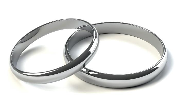 プラチナの指輪の画像