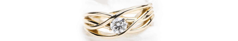 婚約指輪の普段使いの画像