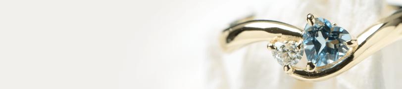 イエローゴールドの婚約指輪の画像