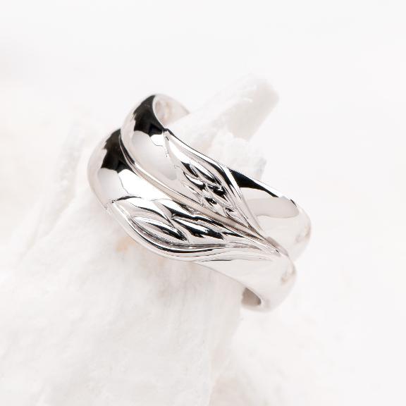 天使の羽モチーフの指輪