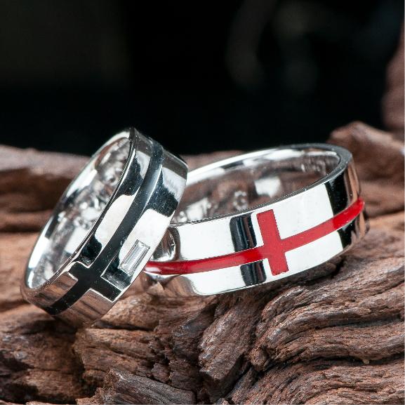 クロスモチーフの指輪