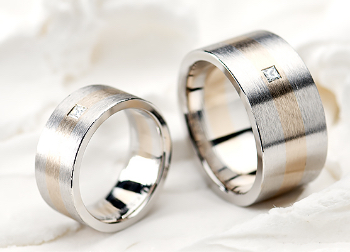 ヘアラインの指輪の画像