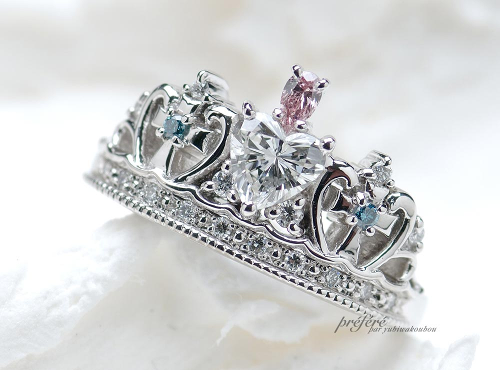 ティアラの婚約指輪はハートダイヤとクロスデザイン(指輪No.421)