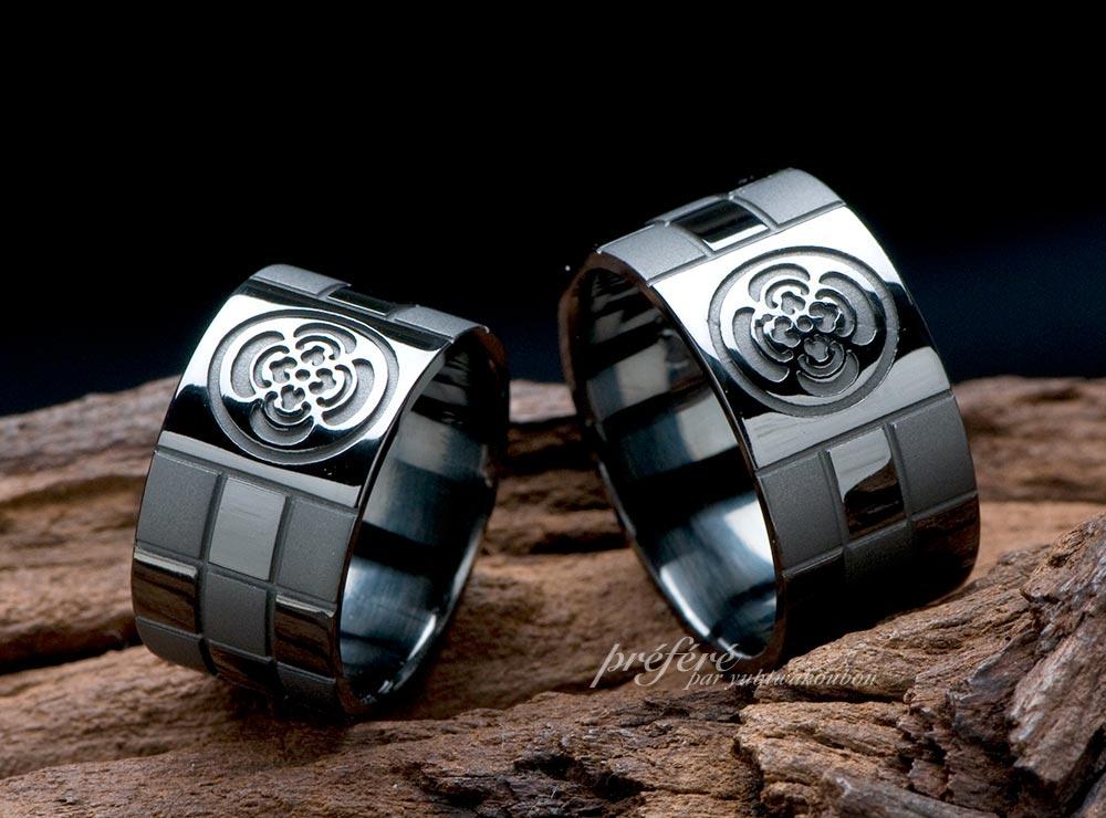 家紋と市松模様デザインのブラックのマリッジリングのオーダーメイド(指輪No.777)