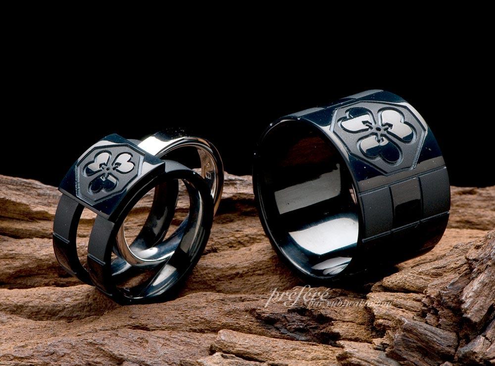 家紋モチーフと市松模様のブラックリングは結婚指輪としてオーダーメイド(指輪No.1420)