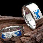 結婚指輪はオーダーメイドでブルーの干支モチーフ