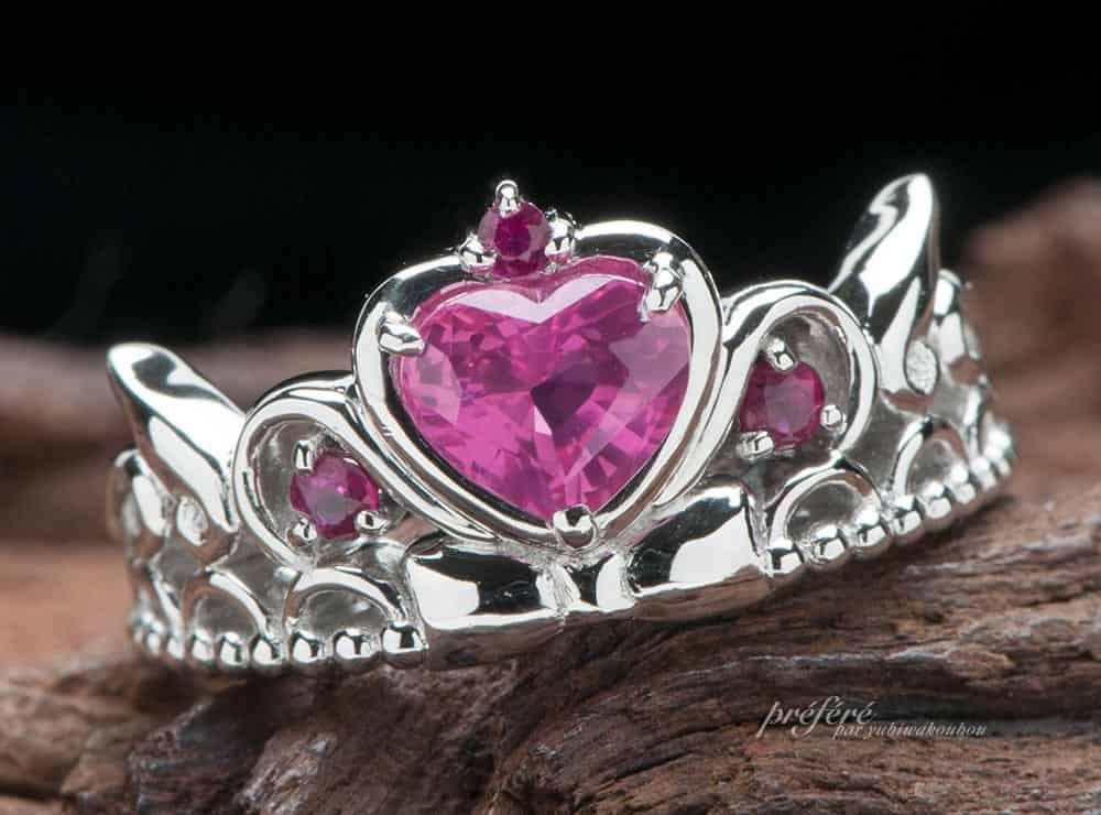 ハートのピンクサファイヤ で婚約指輪をオーダー  ティアラリングでプロポーズ