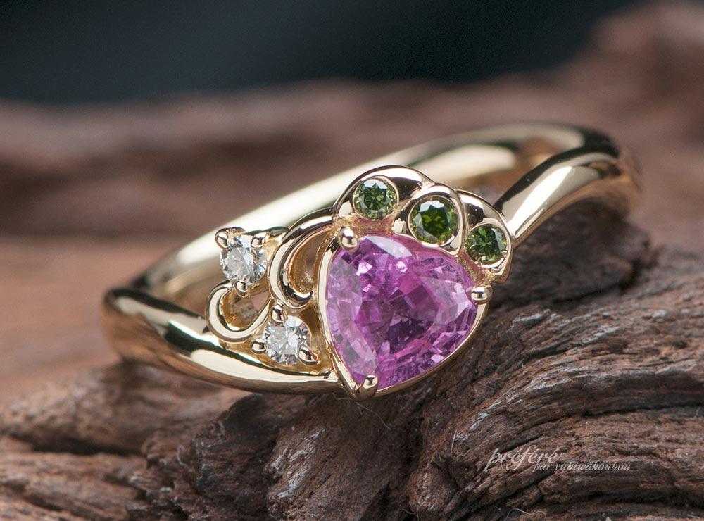 ピンクサファイアのイチゴモチーフで 婚約指輪