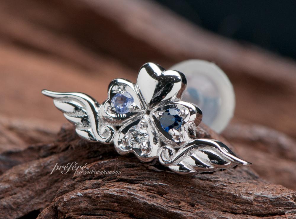 オーダーメイドの天使の羽と四つ葉のクローバーと誕生石のピアス