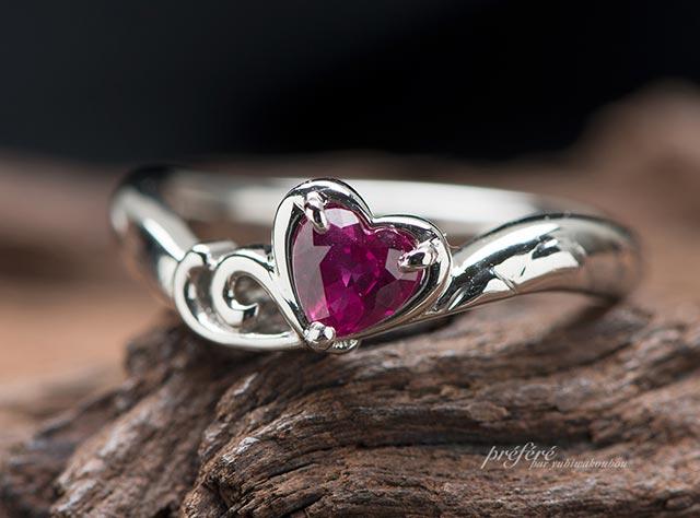 ハートルビーと二人の想い出の国見岳モチーフの婚約指輪はオーダー(指輪No.7355)
