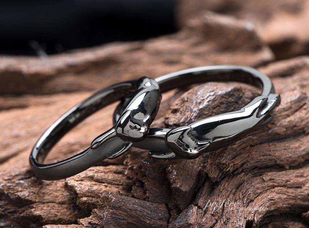 ネコモチーフのブラックリングの結婚指輪オーダーメイド(指輪No.7655)