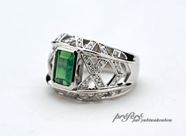 透かしのリングにダイヤを入れグリーントルマリンの指輪をオーダーメイドでお作りしました。(指輪No.673)