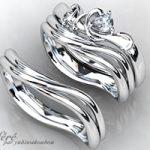 ペアシェイプの婚約指輪と結婚指輪をオーダーメイドのセットリング