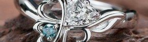 四つ葉のクローバーモチーフの写真