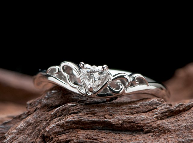 婚約指輪(ティアラ型リング)-3の写真