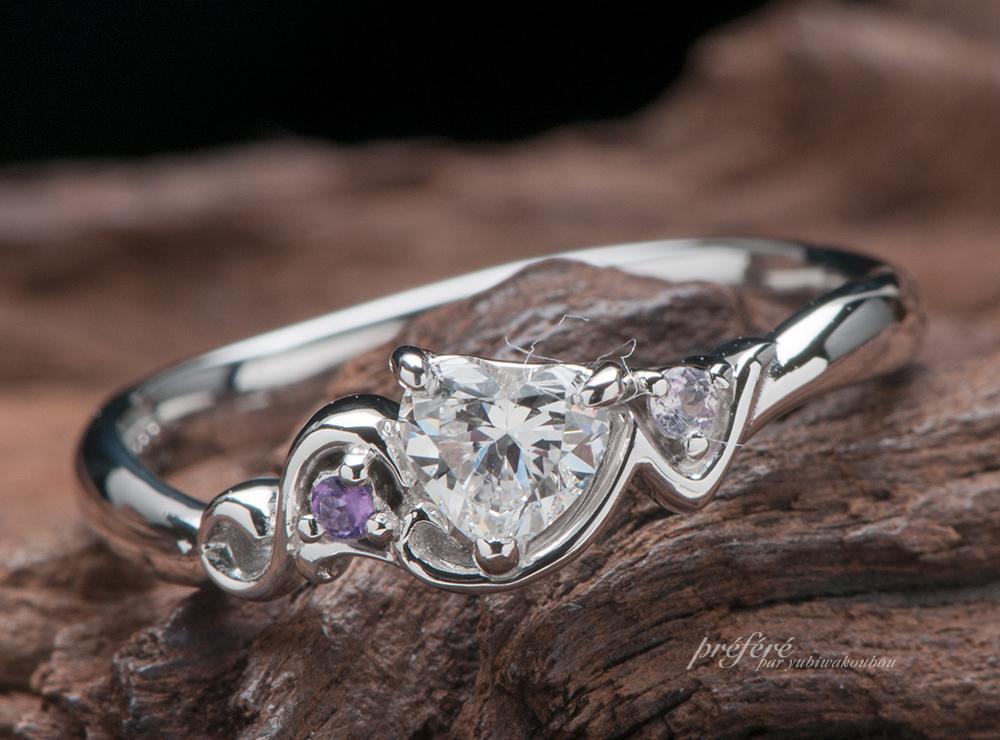 イニシャルと誕生石の婚約指輪オーダー