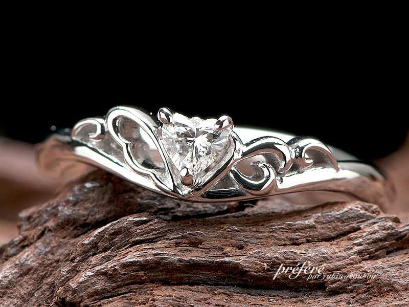 婚約指輪(ティアラリング)-3の写真