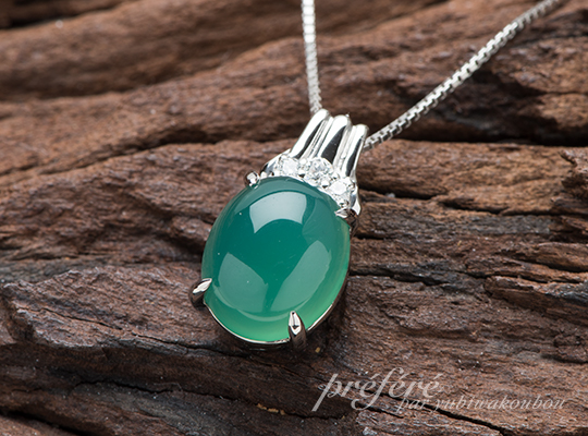 緑色石ペンダント リメイク