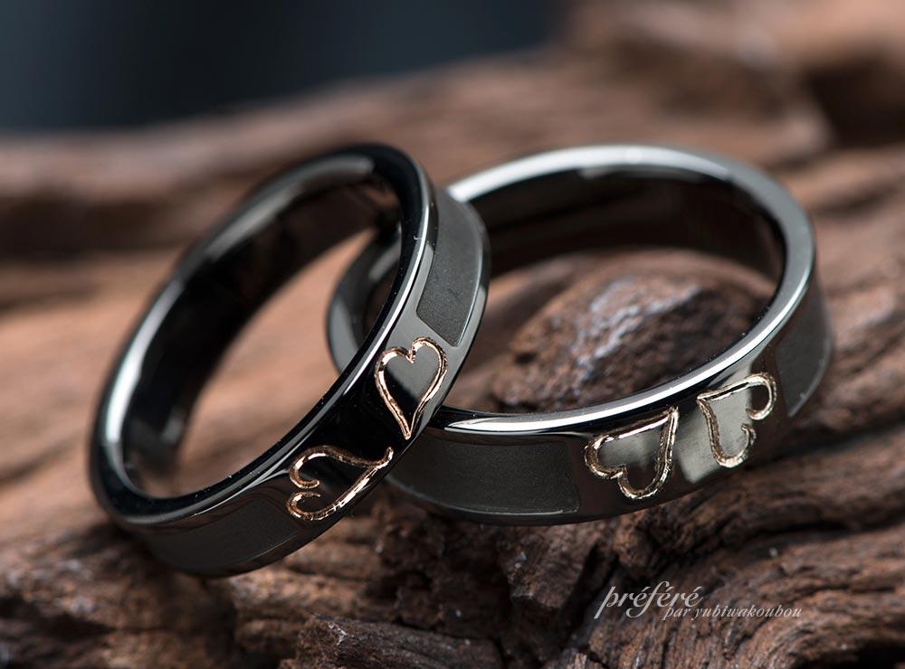 四つ葉のクローバーモチーフのブラックリングの結婚指輪オーダー