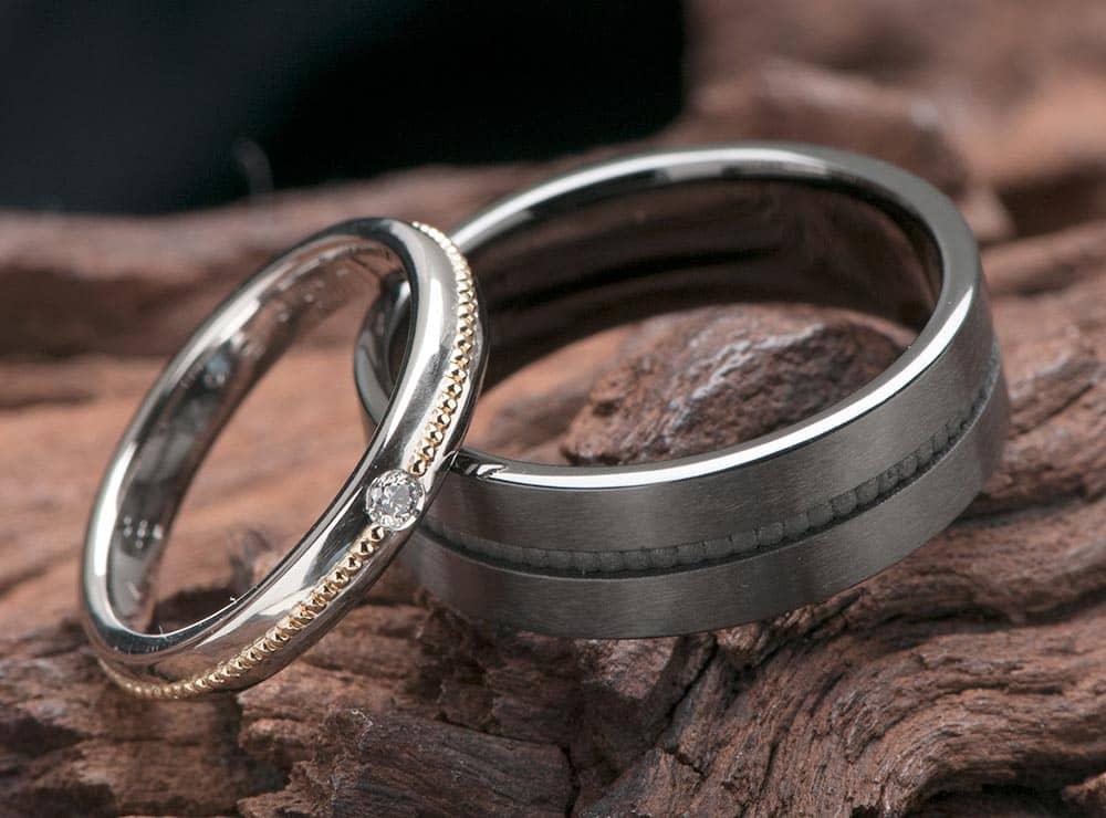 ミル打ちとブラックリングの結婚指輪オーダー