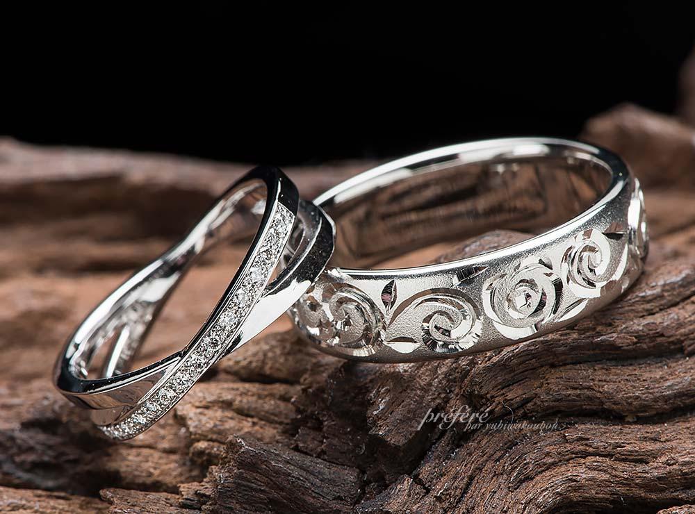 クロスにダイヤと手彫りデザインの結婚指輪