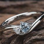 ハート形アクアマリンの婚約指輪