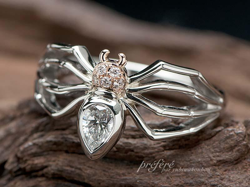 ペアシェイプダイヤでクモモチーフの婚約指輪をオーダーメイド