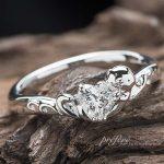 ラッコモチーフの婚約指輪