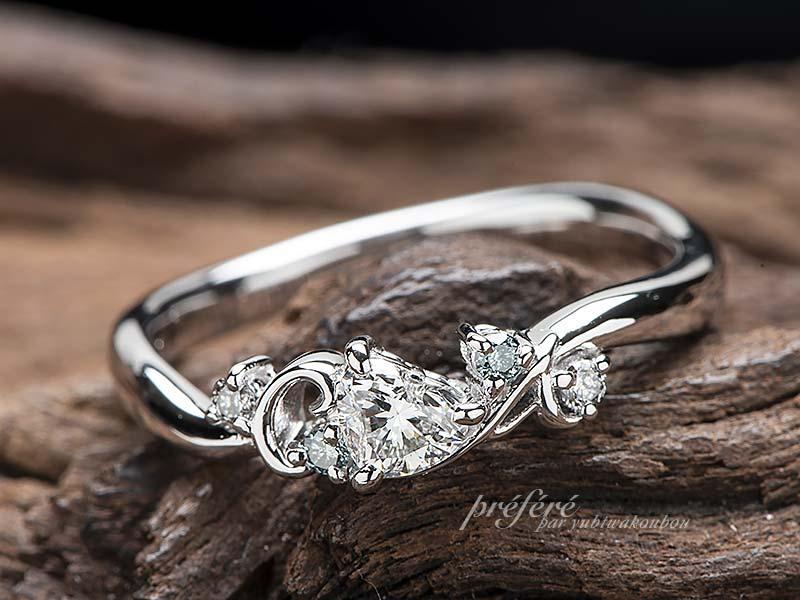 ハートとイニシヤルを入れた婚約指輪をオーダーで-指輪No.12840