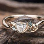 ハートのダイヤ、ネコモチーフ、イニシャルを入れた婚約指輪オーダー