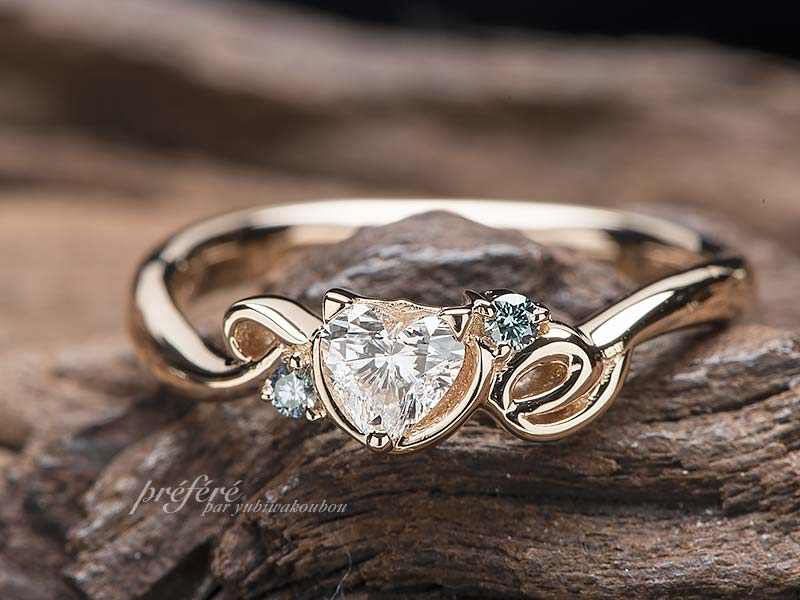 ネコモチーフの婚約指輪